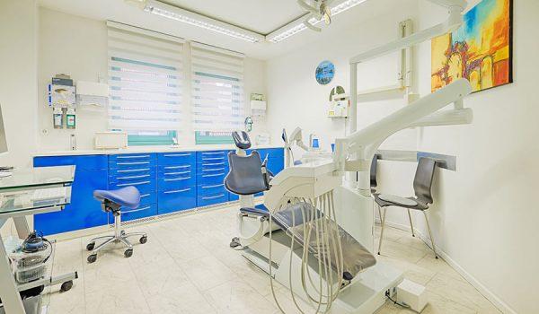Zahnarztpraxis Szuwart Müller - Behandlungszimmer